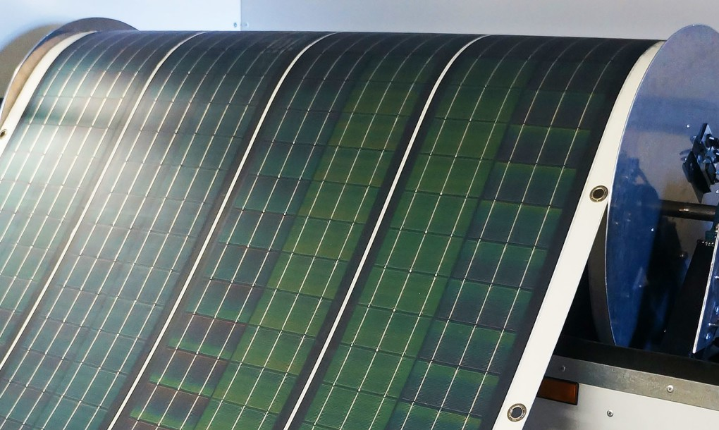 Roll-array-solar-photovoltaics-1020x610 (1)